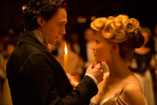 2015CrimsonPeak_Press_2_140515