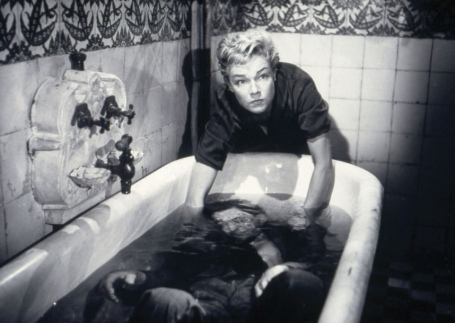 Simone Signoret as Nicole Horner in Diabolique (1955)