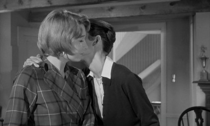Shirley-MacLaine-Audrey-Hepburn-The-Children's-Hour-1961 (2)
